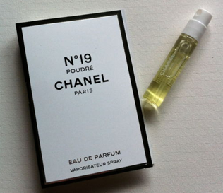 Picture of my Chanel No19 Free Sample
